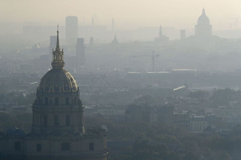 FRANCE-PARIS-SMOG-FEATURE
